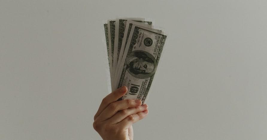 Seberapa Selamatkah Bankroll Pertaruhan Dalam Talian Anda?