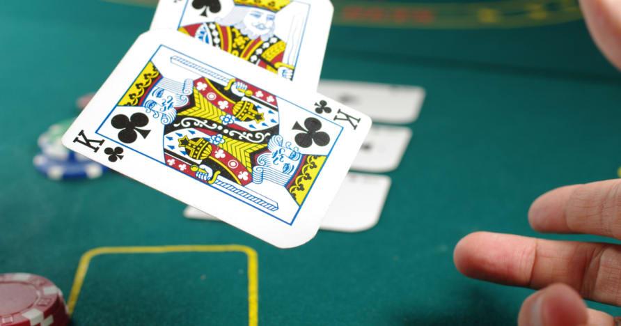 Menjawab beberapa soalan mengenai yang baik Poker Strategi